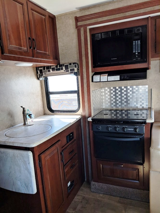 Rv Campers For Sale >> Class C Forest River Sunseeker 2016 for sale - VR Expert